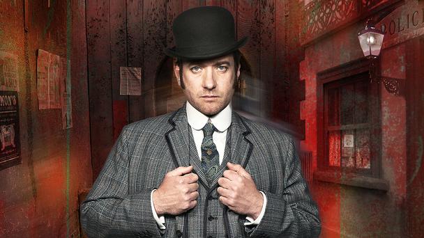 Inspector Edmund Reid (Matthew Macfadyen)