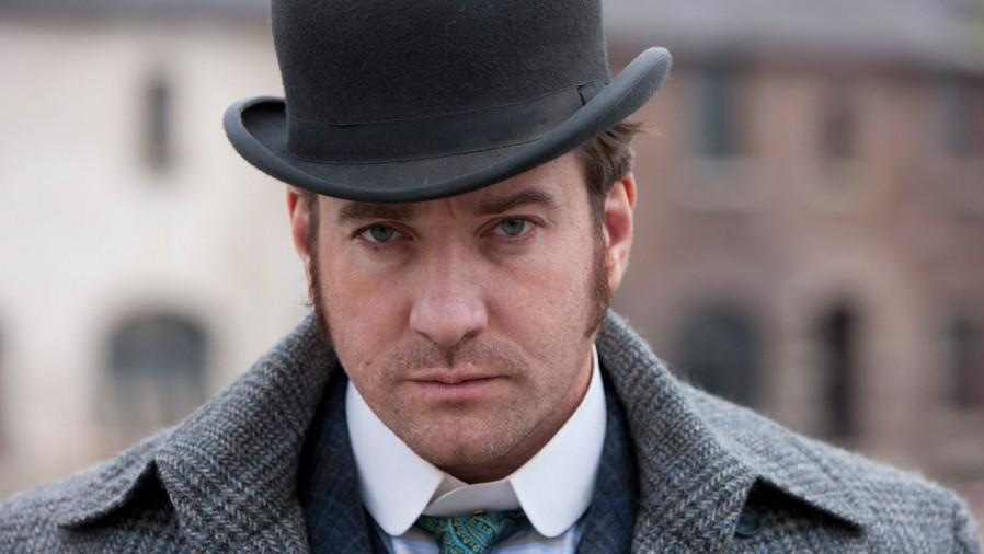The incorruptible Inspector Edmund Reid (Matthew Macfadyen)