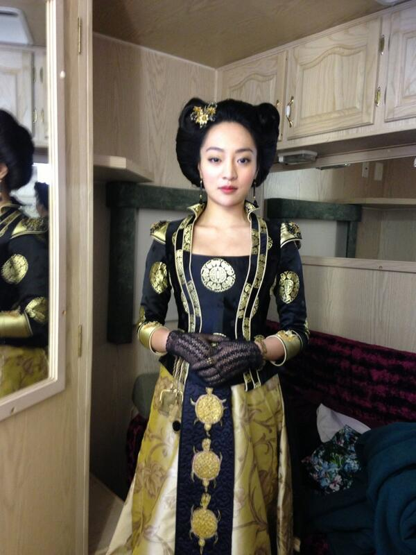 Kunjue Li in costume as Blush Pang