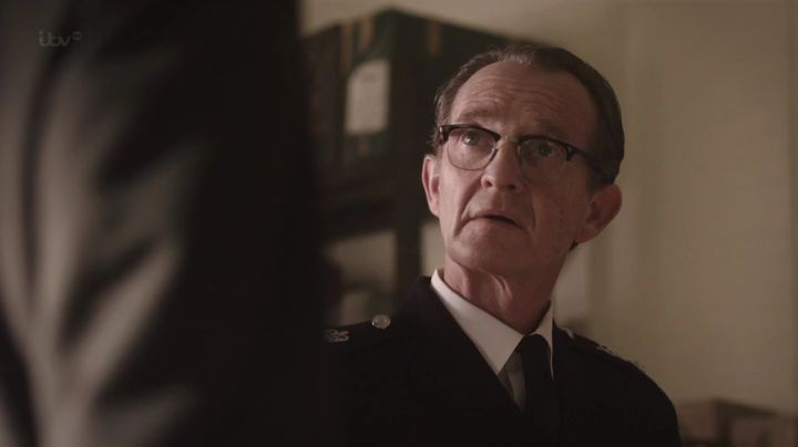 CH SUPT Reginald Bright (Anton Lesser) ©itv/MammothScreen