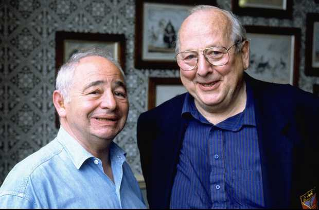 Colin Dexter and James Grout ©itv/MammothScreen