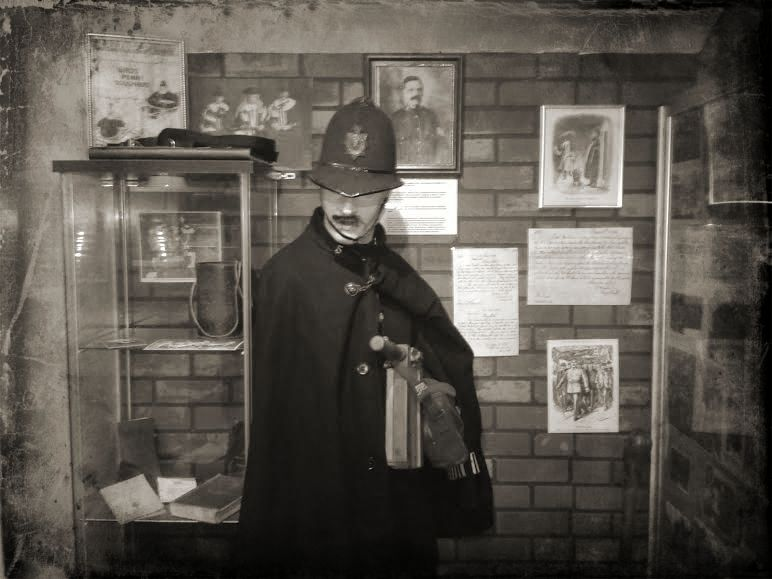 policeroom2.jpg